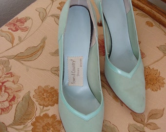 Pumps/High Heels/Dress Shoes/Size 6 Town and Country Heels/Light Blue/Seafoam Blue/1960