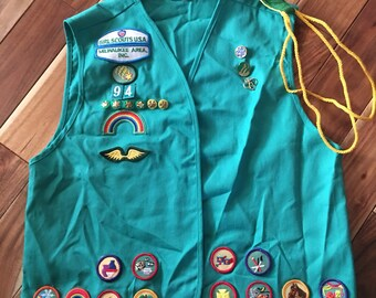 1990's Girl Scout Vest green pins & patches Milwaukee area 0048 x large xl / vintage collectible