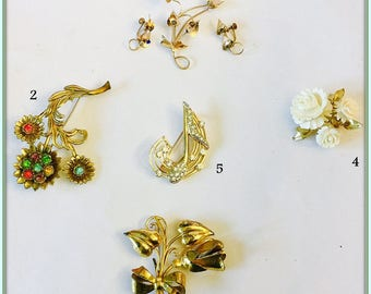 Vintage Pins and Brooches,Gold Tone and Brass,Multiple Rhinestones Amid Flowers,Very Good to Excellent Condition,Collectable Jewelry