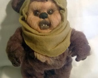Ewok-Supports two positions: standing and sitting-