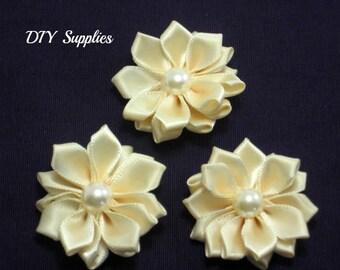 Cream mini satin fabric flower with pearl center -  Petite satin flowers - Small ribbon flowers  - Mini ribbon flowers