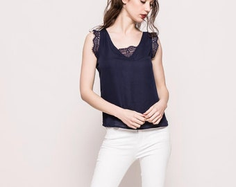 Women's blouse with lace