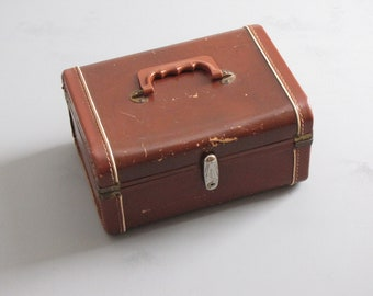 Vintage  Brown Carry On / Train Case / Luggage