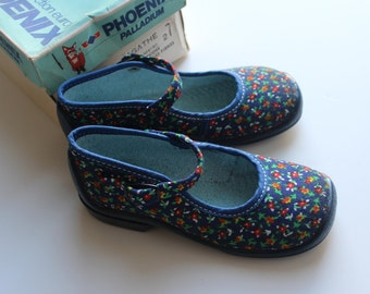 French Vintage 60/70's / canvas shoes / Palladium / new old stock / size 26 ( EU ) / 9,5 ( US ) / 8,5  ( UK )