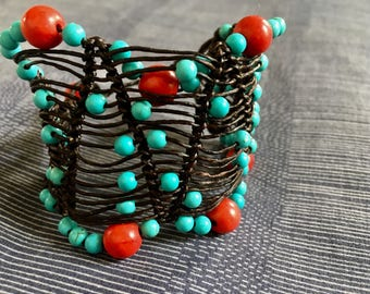 Sparse crochet with coral & blue howlite beads bracelet