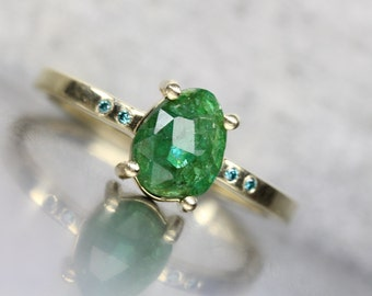 Delicate Rose Cut Green Emerald Blue Diamond Engagement Ring 14K Yellow Gold Modern Minimalist 4 Prong Band May Birthstone - Estrella Verde