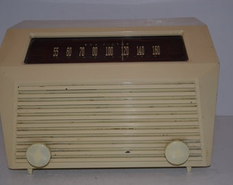 Vintage 1940s RCA Victor Table AM Radio - Works