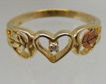 Vintage Tri Color Gold Gilt Leaf Heart Ring in Sterling Vermeil with Sapphire .....   Lot 5685