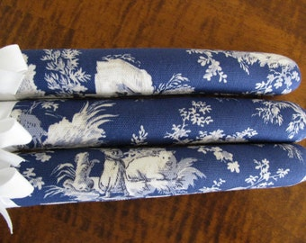 Blue Toile Padded Hangers, Vintage Toile du Jouy 1930, Covered Hangers, Toile Clothing Hanger Set of 3, Toile Padded Hangers, Blue Toile