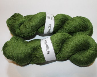 Emerald Green Worsted Weight Recycled Linen Yarn