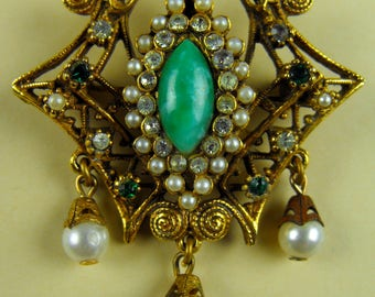 Vintage faux pearl & emerald Dangle Brooch/Pendant