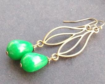 Earrings: jade drops suspended