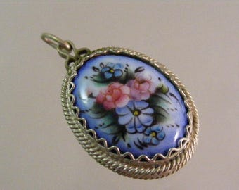 Russian Finift Filigree Hand Painted Porcelain Locket Box Pendant.....Lot #5474