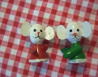 two tiny christmas mice