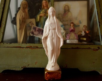 Beautiful Vintage religious statue - Virgin Mary