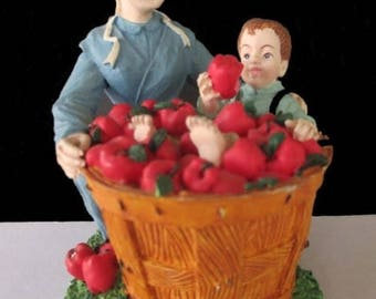 Amish Country Collection * APPLE SURPRISE * Mother And Son Figurine * Children Are A Harvest Of Love 1996