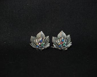 Flower screw back earrings - vintage multi colored rhinestone flower metal earrings - Floral jewelry - Novelty jewellery - retro jewelry