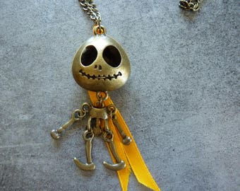 Cute little skeleton necklace, bronze
