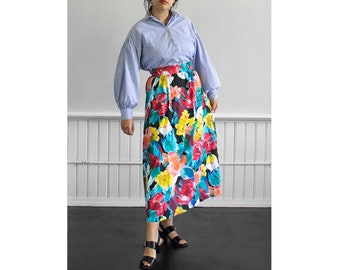 70s Spring Day Skirt / Fits up to a Small