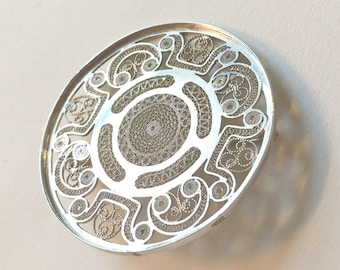 Vintage Danish Round Silver Filigree Brooch Marked with 906