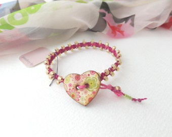 Beaded Macrame Bracelet, Magenta, Cream and Pink Bracelet, Friendship  Cord Bracelet, Knotted Bracelet, Bracelets with hearts.