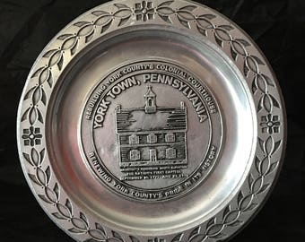 Yorktown Pennsylvania Collectible Plate ~ Pewter ~ Colonial Courthouse ~ Farmhouse Decor ~ Vintage