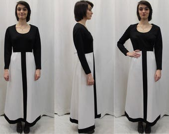 70s mod style polyester knit maxi dress in black and white modern size Medium by Alison Ayres