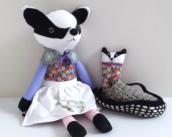 Heirloom Badger Doll with Cub in Moses Basket, Play-set Rag Doll Badger named Brandy