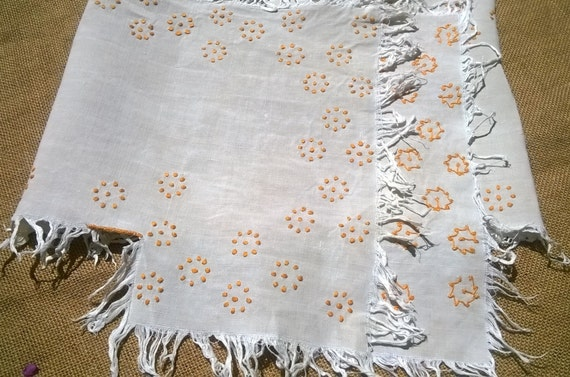 Antique French Runner Off White Natural Linen Yellow Embroidery Fringed Shelf Edging Sewing Project Antique Textile #sophieladydeparis