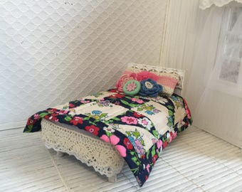 Dollhouse twin bed quilt and pillow set - Free Shiping to the US