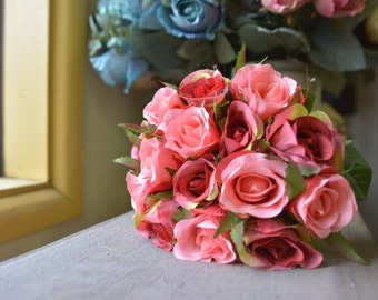 Classic Rose Bunch in pink/red -ITEM001