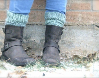 PATTERN: Bootie Toppers, easy crochet pattern P D F, boot cuffs, leg warmers, InsTaNt DoWnLoAd, PERMISSION to SELL