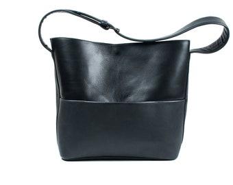 Shoulder bag, pocket bag, case with a zipper, strap with buckle.