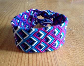 Arrow bracelet / Friendship Bracelet / Bracelet Brazilian / embroidered and hand woven / Handmade / Friendship Bracelet