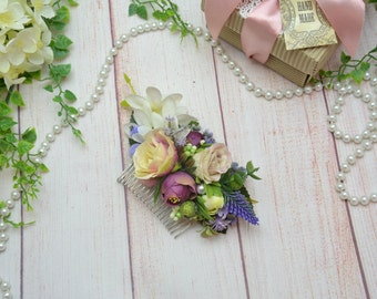 Dusty purple hair comb White wedding comb Flower hair accessories Summer outdoors Floral hair comb Flowers in hair Rustic wedding hair comb