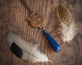 ours à collier, pendentif goutte jade bleu marine, histoires de bois, bijoux animaux, pendentif animal inspiré de la nature, collier boho, cadeau pour elle