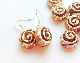 Cinnamon roll earrings,Cinnabon earrings,cinnamon roll jewelry,cinnamon roll charm,Cinnabon charm,food jewelry,fake food earring,food art
