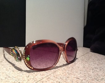 Sunglasses with Aurora Borealis Stone