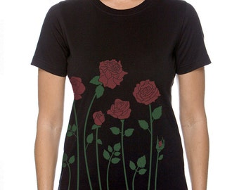 Plus Size, Red Roses Women's Black T-shirt, Floral Roses Screenprint, Artsy T-shirt