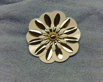 Vintage Gold & White Flower Brooch (1960's) #VJ-0052