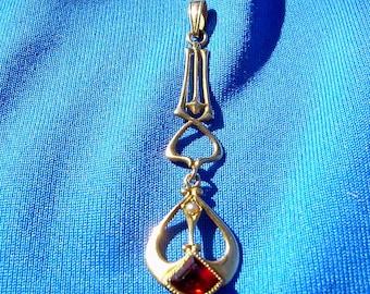 Art Deco Pendant Trillion Cut Garnet and Pearl Antique Victorian Art Nouveau Necklaces Solid Gold