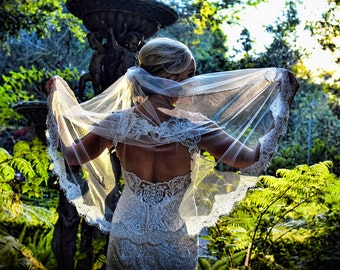 Lace Fingertip Veil, Lace Wedding Veil Fingertip Wedding Veil, Lace Veil Fingertip Bridal Veil, Ivory Veil Mid Length Veil Short White Veil