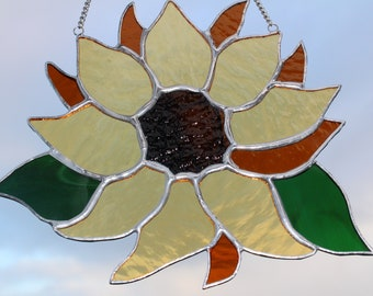 Sunflower Stained Glass - MADE TO ORDER - Suncatcher - Window or Wall Hanging Ornament - Flower Suncatcher - Gift for Her or Him