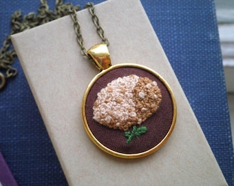 Brown Hydrangea Embroidered Necklace - Floral Embroidery Necklace Fiber Art Boho Nature Jewelry - Retro Garden French Knot Beige Flower Gift