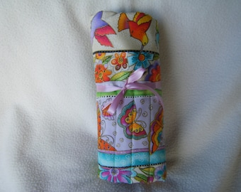 Pretty Laurel Burch Cotton Fabric Roll-up Crochet Hook Case