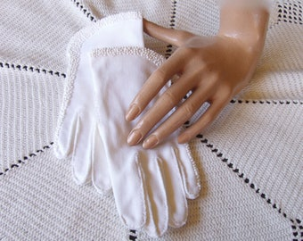 Vintage 50s Hand Beaded White Cotton Gloves . Wedding Gloves . Church Gloves