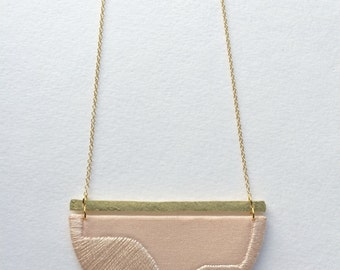 FOLKE - Cotton, Thread, Gold and Brass Necklace - Blush