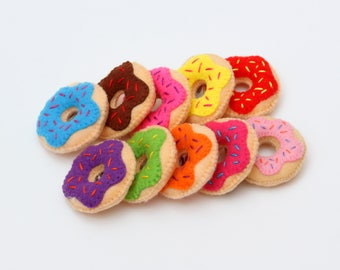 A set of donut magnets. Doughnut Gifts. Felt Fridge Magnets. Donut of felt. donut with felt magnet