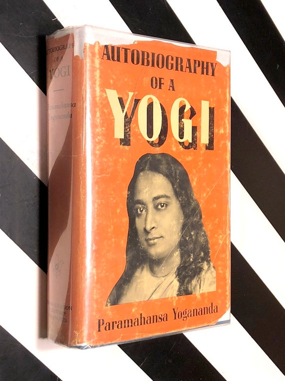 Autobiography of a Yogi by Paramahansa Yogananda (1969) hardcover book