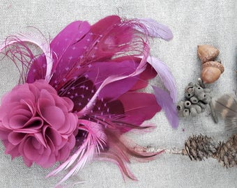 Comes love Fascinator mauve pink fuchsia Federn Haarschmuck headpiece Hochzeit Brautschmuck violett lila pink Kopfschmuck malve rosenholz